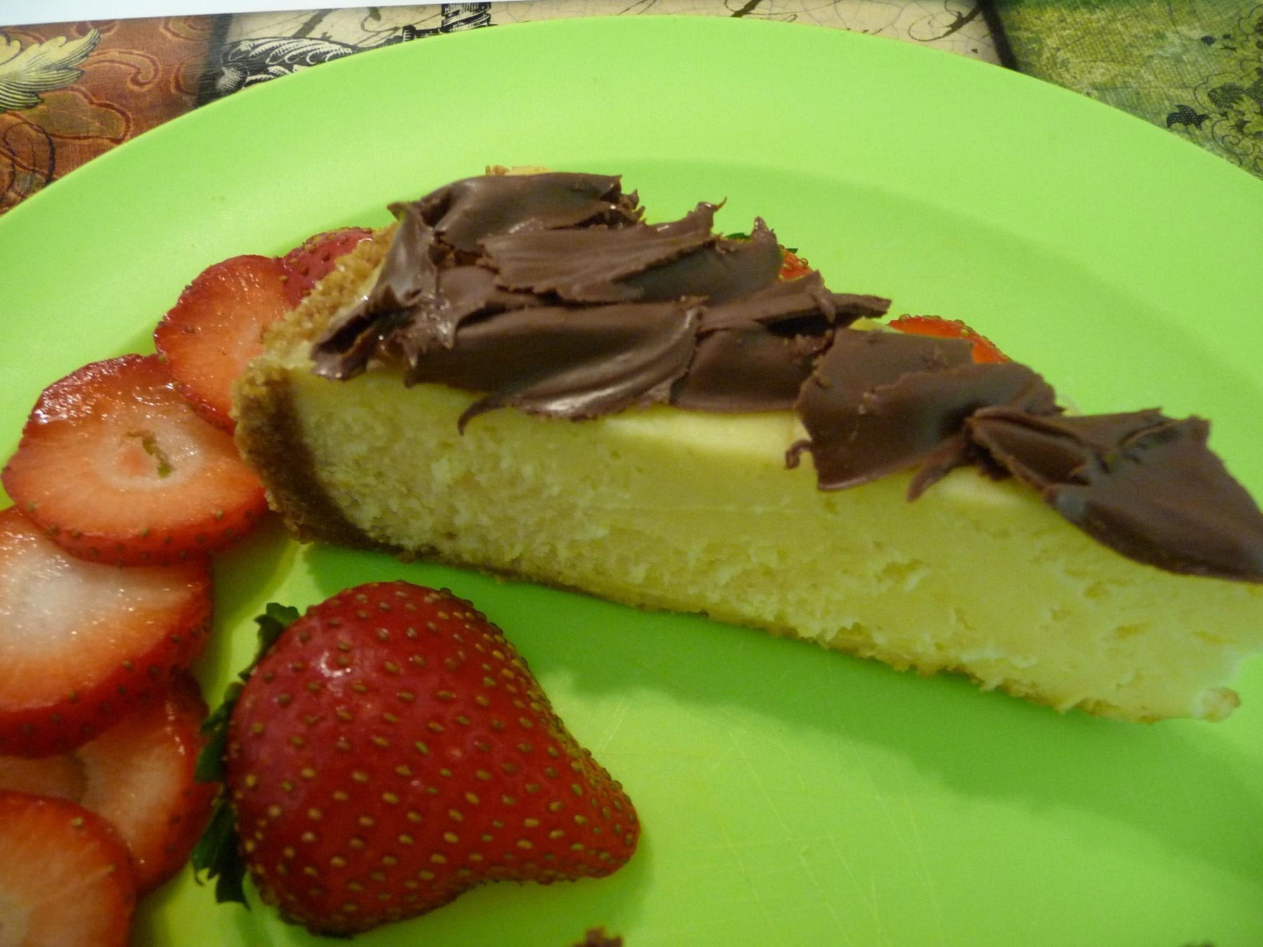 NY Cheesecake with strawberries and nutella