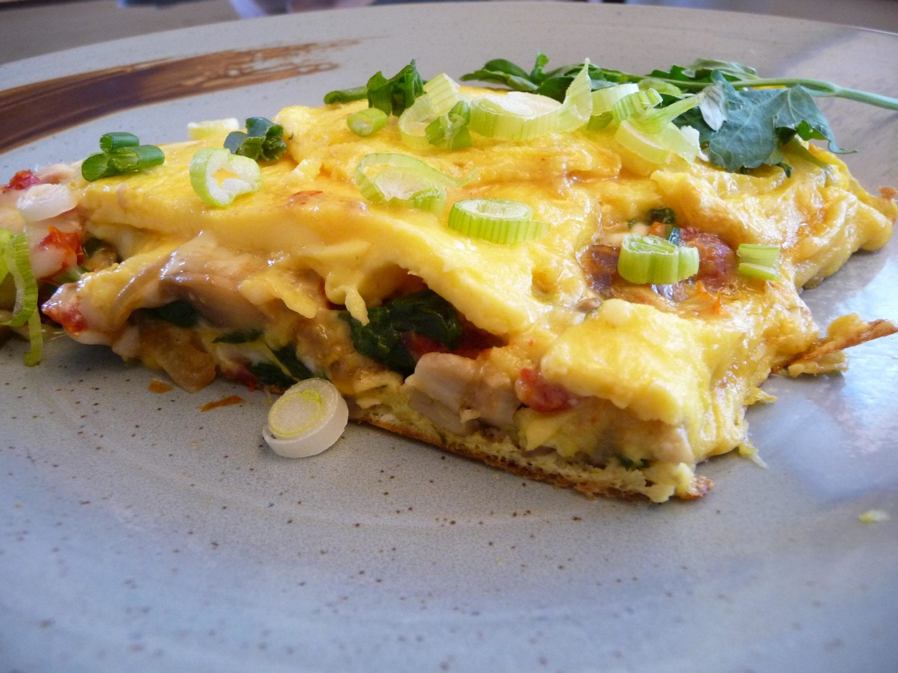 sun dried tomato mushroom spinach onion omelet