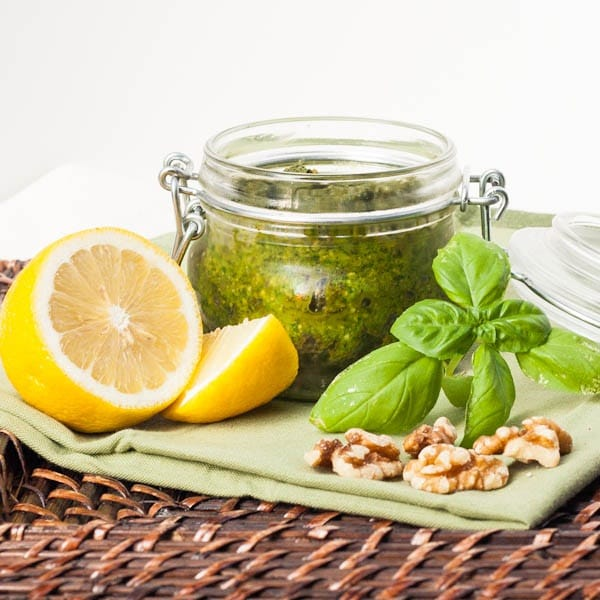 vegan basil pesto with spinach