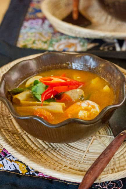 Tom Yum Goong – Hot and Sour Thai Soup with Shrimp