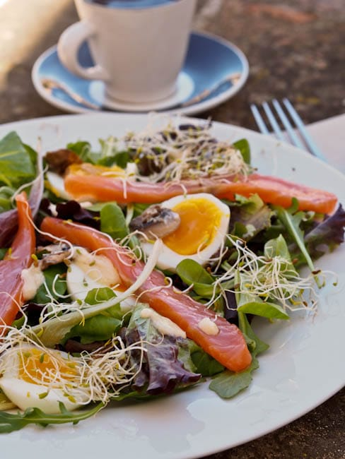 soft-boiled-egg-salad-with-salmon