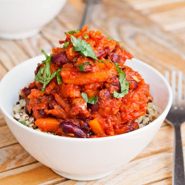 Vegan-Chili-with-Squash-Tomatoes-and-Kidney-Beans