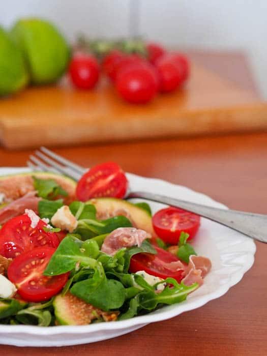 Fig-Prosciutto-Blue-Cheese-and-Tomato-Salad-Recipe