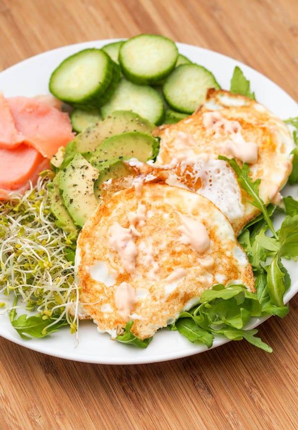 Fried-Eggs-with-Smoked-Salmon-Recipe