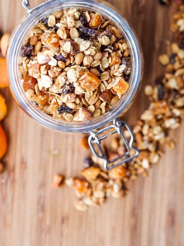 Vegan-Apricot-and-Almond-Granola-Gluten-Free