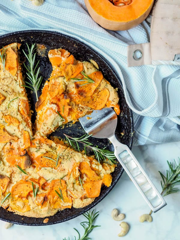 Super creamy and comforting vegan + paleo butternut squash gratin with ...