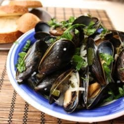 Mussels in White Wine Sauce {Gluten-Free}