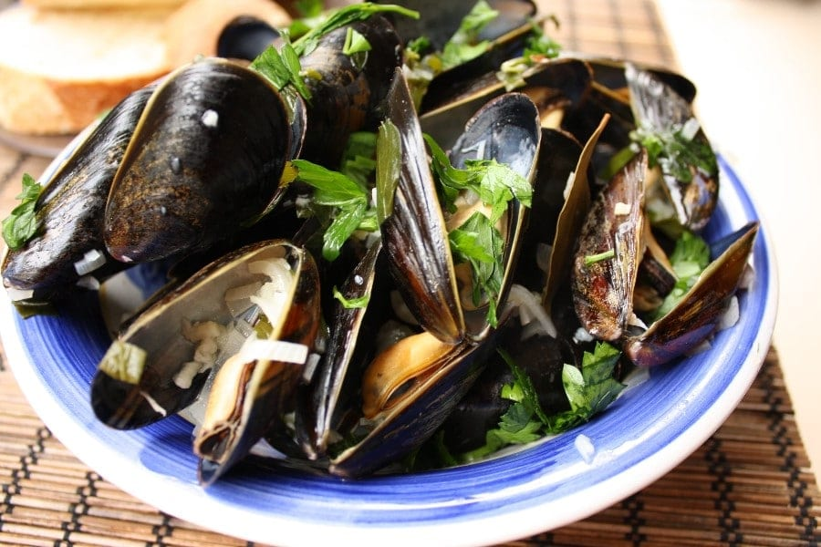mussels in white wine sauce recipe