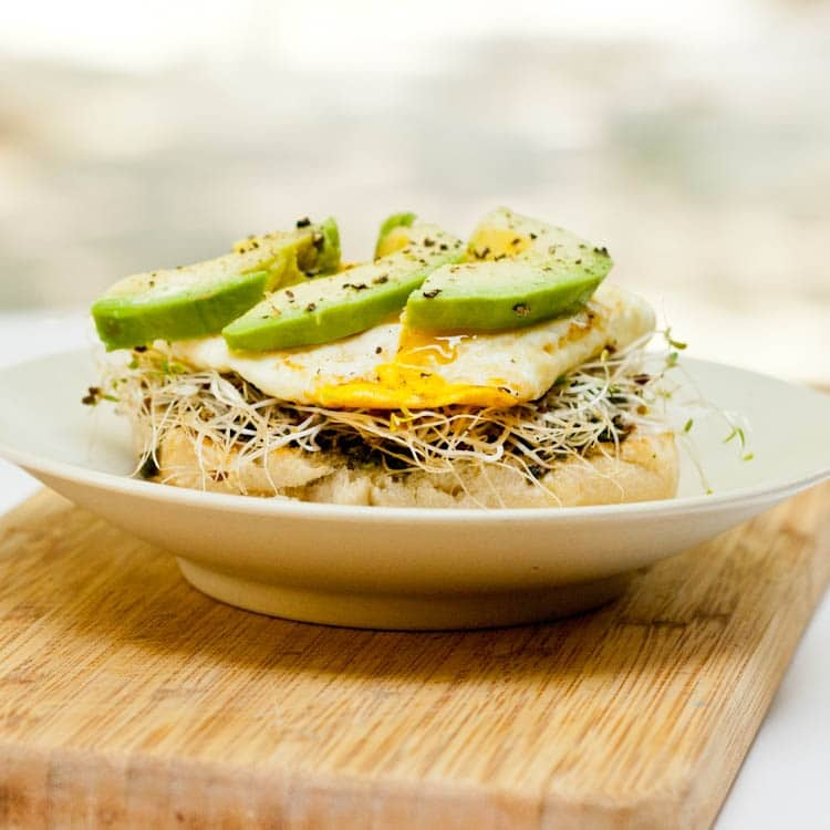 English Muffin with Eggs, Avocado and Pesto