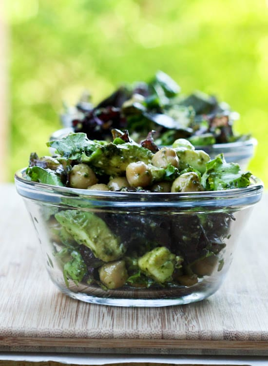 avocado chickpea pesto salad