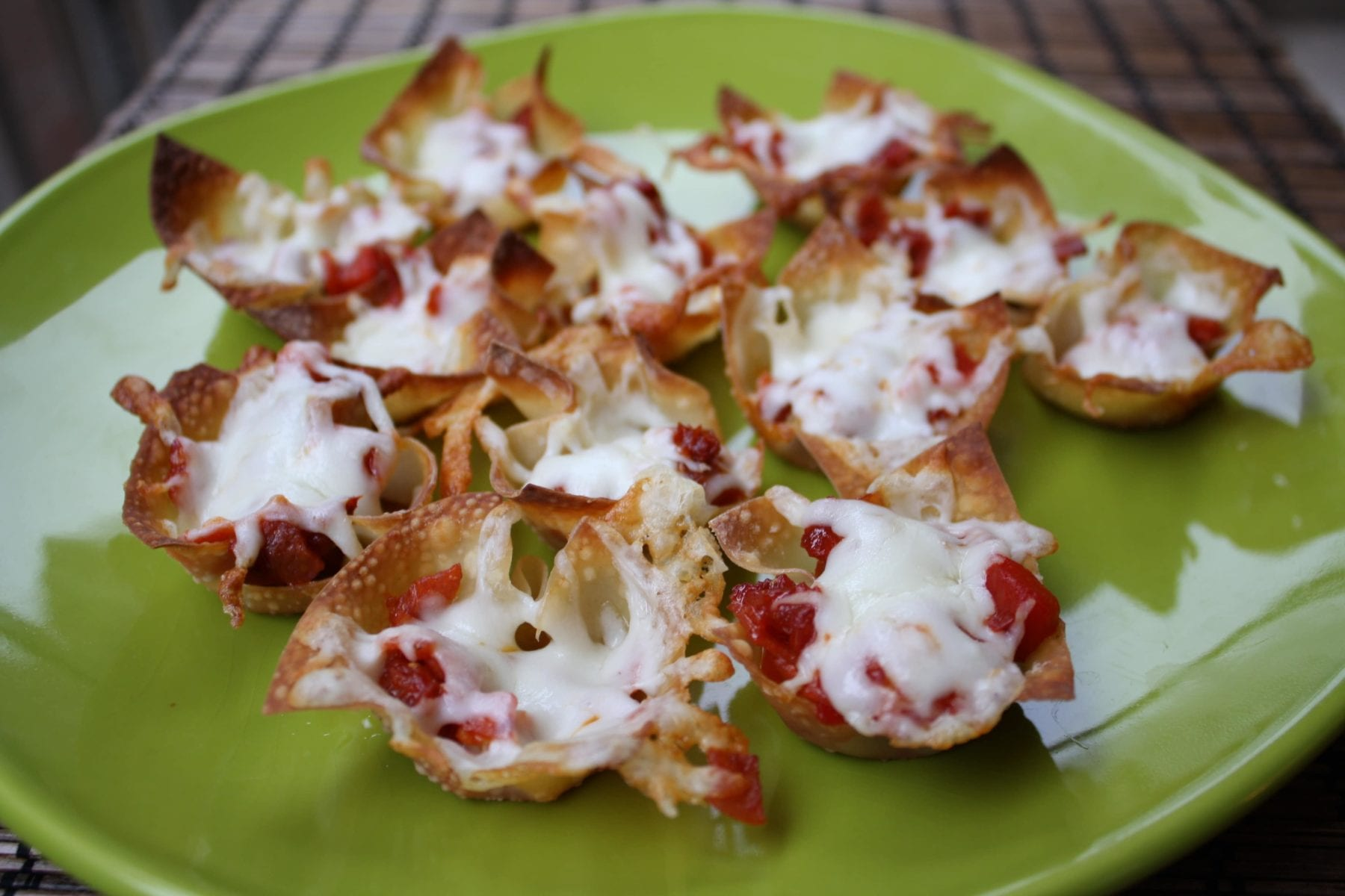 Mini Wonton Pizza Bites