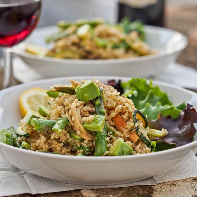 quinoa chicken with pesto and veggies