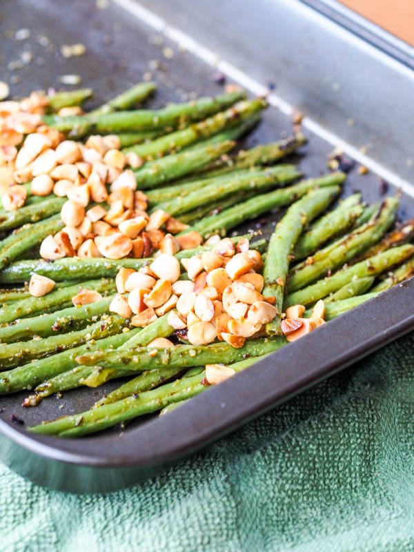 Vegan Pesto Baked Green Beans with Almonds