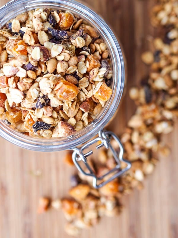 apricot granola with almonds