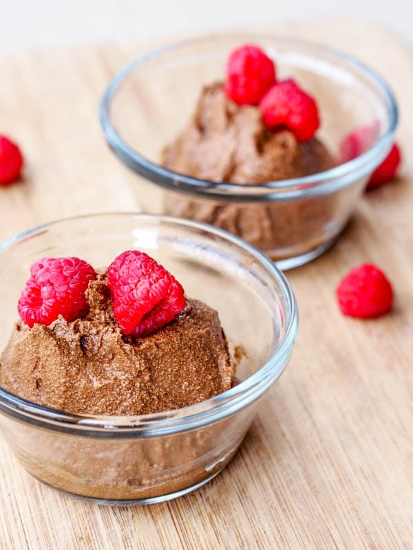 Vegan chocolate mousse with raspberries