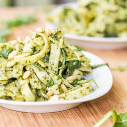 10 Minute Alfredo Vegan Pesto Pasta {Gluten-Free}