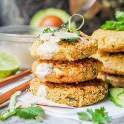 30 Minute Chickpea and Hearts of Palm Asian Tuna Cakes make for an easy low fuss weeknight meal. Minimal clean up and maximum flavor. Serve with a kimchi mayo aioli. GF + DF. | avocadopesto.com