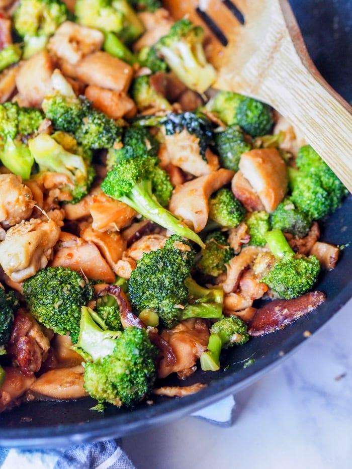 chicken broccoli stir fry in the wok