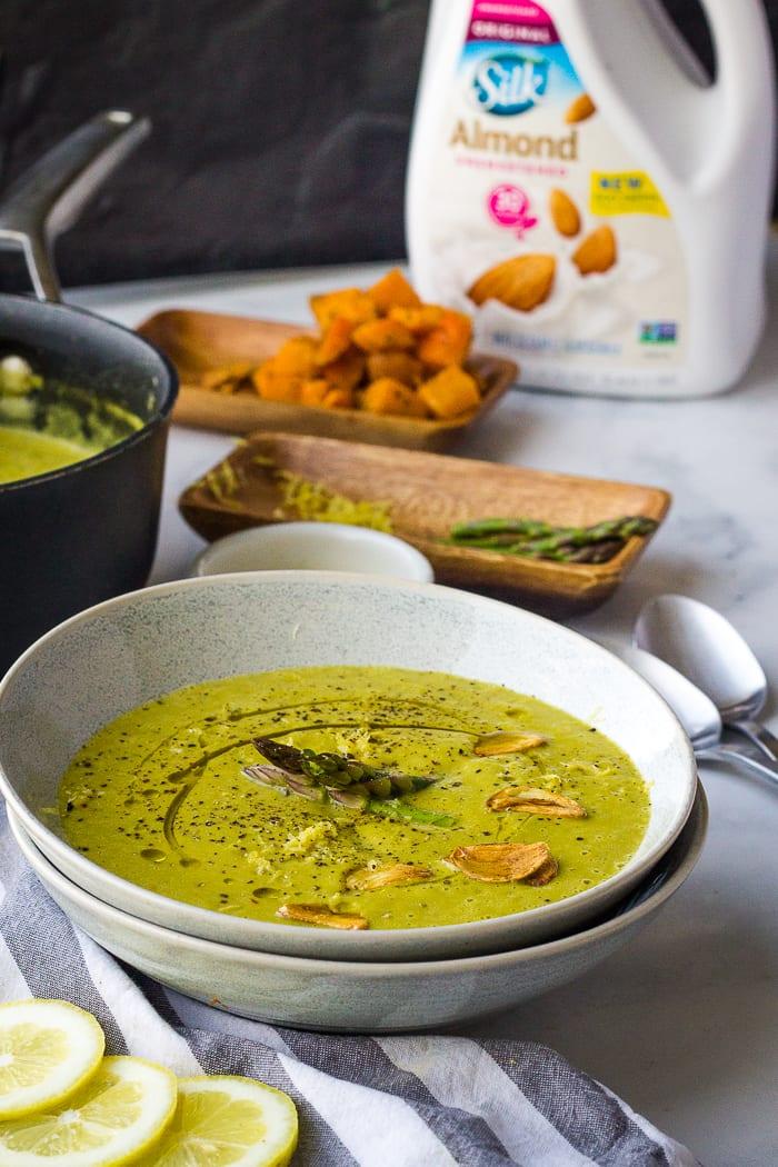 creamy asparagus soup ready