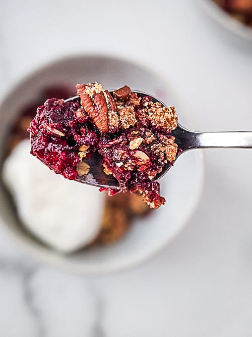 Blackberry Crumble with Chocolate {Gluten-Free, Vegan}