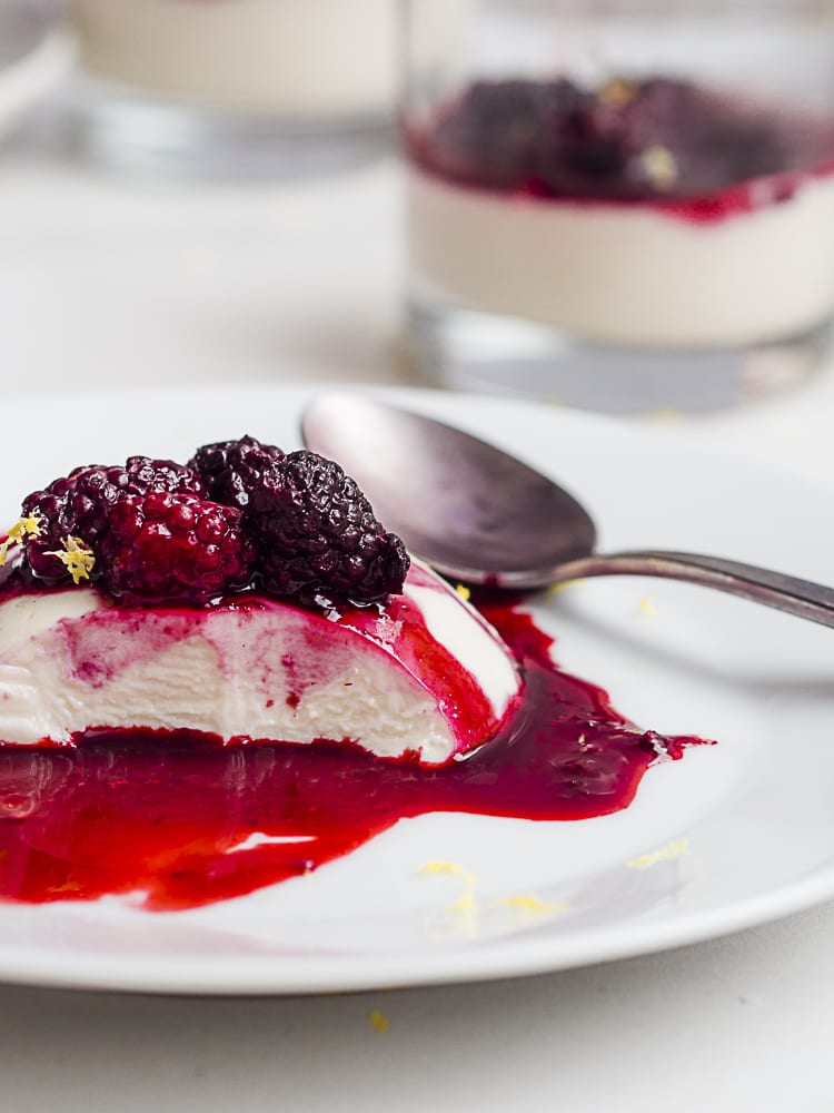 vegan panna cotta with blackberries