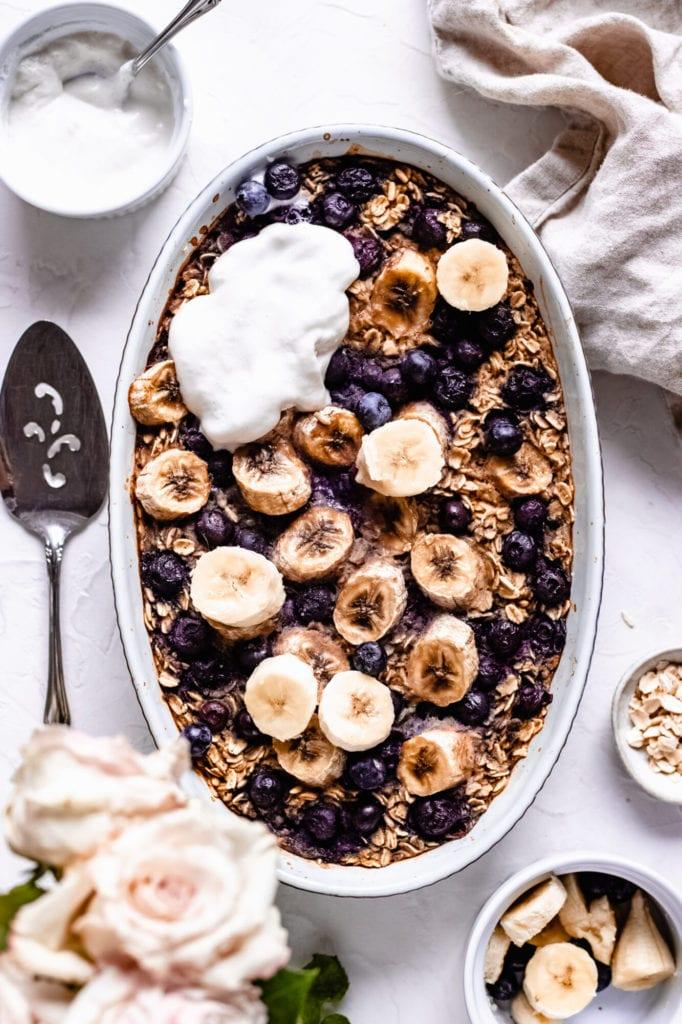 Secretly Healthy Vegan Baked Oatmeal with Blueberries (Easy!)